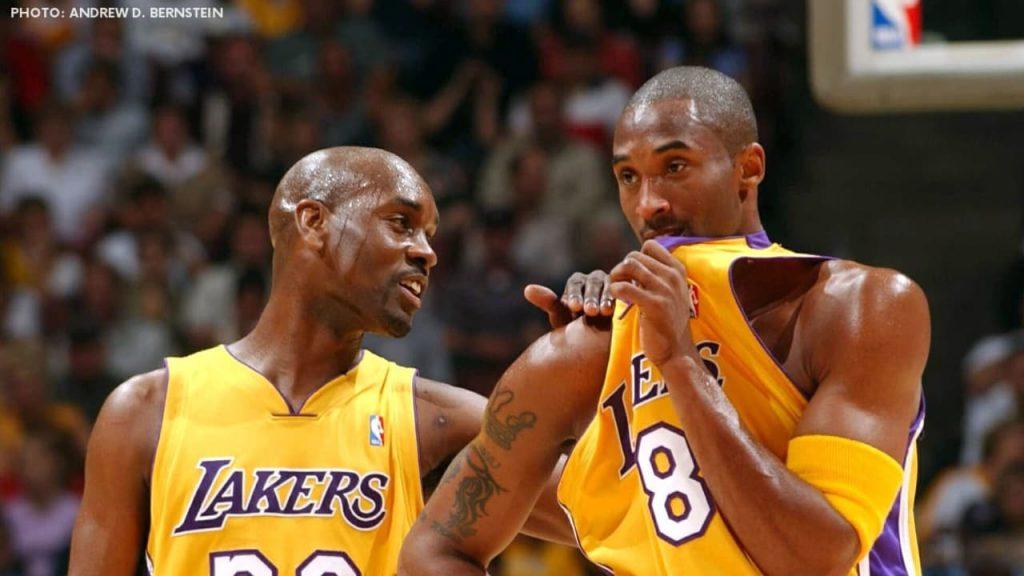 Gary Payton mentors Kobe Bryant on defense
