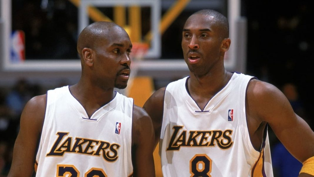 Kobe Bryant and Gary Payton in Lakers uniform